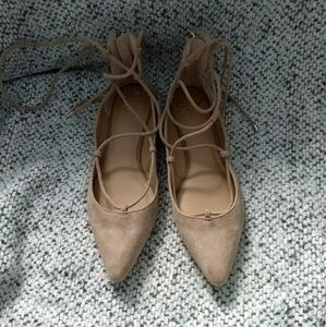 NWOT Vince Camuto Genuine Sude Lace Up Flats
